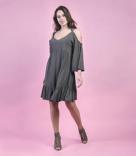 Κ19-20717 Μαύρο Φόρεμα midi σε voile ύφασμα με V-λαιμόκοψη